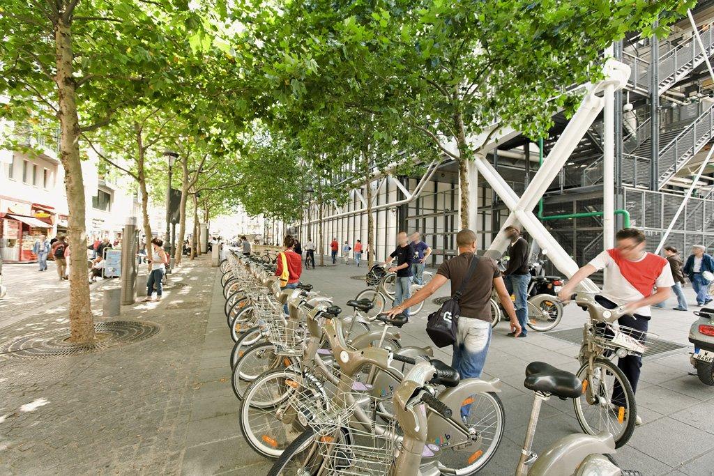 In ganz Paris sind die Leihradstationen des kommunalen System Velib verteilt. Derzeit sind 20.000 Leihräder im Umlauf. Jetzt sind 300 Kinderräder hinzugekommen.