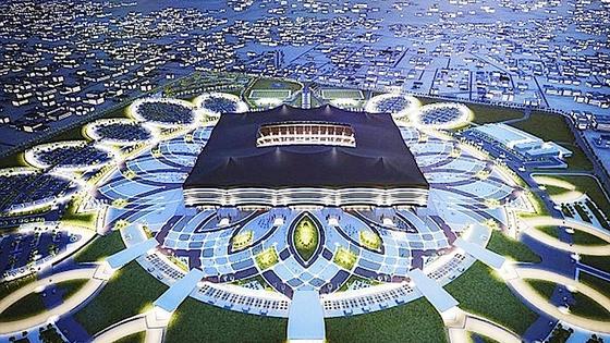 Das Organisationskomitee der Fußballweltmeisterschaft 2022 hat einen Entwurf für das WM-Stadion Al-Bayt präsentiert: Es bietet 60.000 Besuchern Platz. Die Temperaturen sollen auch bei geöffnetem Dach nicht über 27 Grad Celsius steigen.