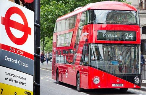 Selbst in den berühmten Doppeldecker-Bussen in London sind Überwachungskameras installiert.