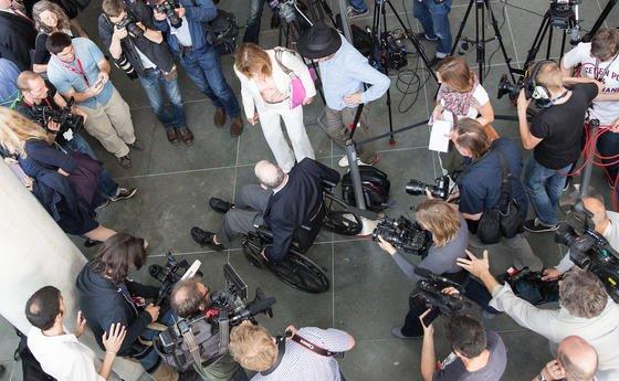 Der ehemalige technische Direktor der NSA, William Binney, kommt am 3. Juli 2014 zum NSA-Untersuchungsausschuss des deutschen Bundestags im Elisabeth-Lüders-Haus in Berlin. Der Untersuchungsausschuss will mit der Befragung ehemaliger Mitarbeiter des US-Geheimdienstes erstmals vertiefte Einsichten in die Datenspionage nehmen.