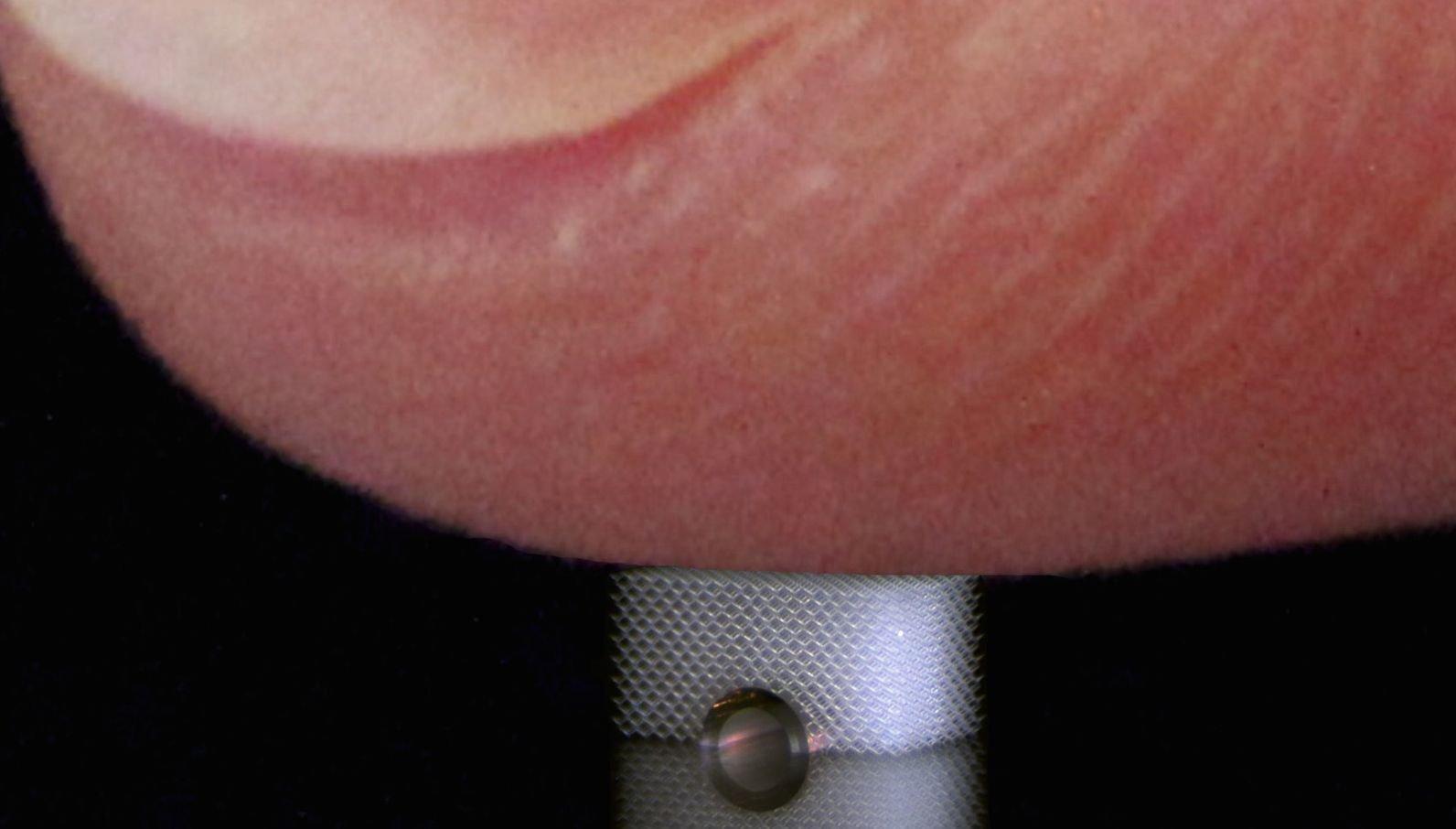 Mit dem Finger oder einem passenden Kraft-Messgerät lassen sich keine Informationen über die Unterseite des Materials gewinnen.