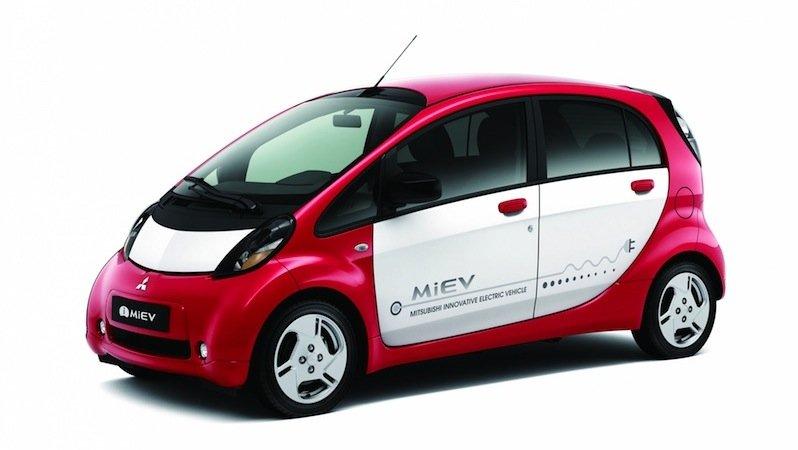 Im Praxistest von auto motor und sport schnitt derMitsubishi i-MIEV schlecht ab: Bei Minusgraden sank die Reichweite des Elektroautos auf 64 Kilometer ab.