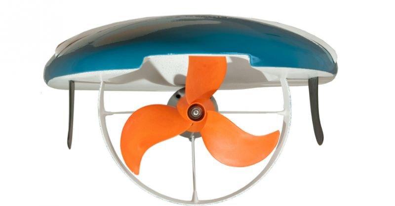 Das Waterwolf-Surfbrett wird von einemaußenliegenden, wassergekühlten Elektromotor unter dem Board angetrieben, der über seinen Propeller rund sieben PS ins Wasser bringt.