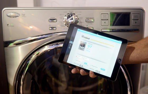 Nicht mehr nur Computer und Smartphones sind ans weltweite Datennetz angeschlossen, sondern alle möglichen Geräte – von der Kaffeemaschine bis zur Waschmaschine. Was fehlt, ist ein weltweiter Kommunikationsstandard.