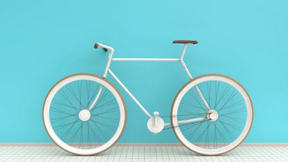 Das Kit Bike des indischen Produktdesigners Antrag Sarde glänzt in edlem Weiß und verzichtet auf unnötigen Schnickschnack. Nur 21 Bauteile sind notwendig, um es zusammenzustecken.