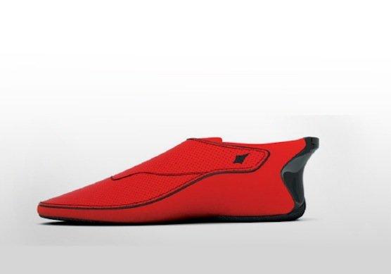Der Schuh Lechal des indischen Herstellers Ducere: In der Ferse des Schuhs sitzt das Vibrationssystem. Es lässt sich aber auch in einer Einlegesohle für jeden beliebigen Schuh unterbringen.