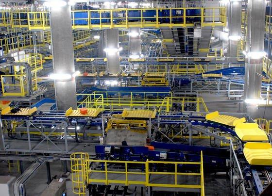 Siemens-Gepäckanlage im Flughafen Peking: Die Anlage isteine der modernsten Gepäckbeförderungsanlagen der Welt und kann pro Stunde mehr als 19.000 Gepäckstücke sortieren und transportieren. Jetzt will sich Siemens angeblich von seiner Logistiksparte trennen.