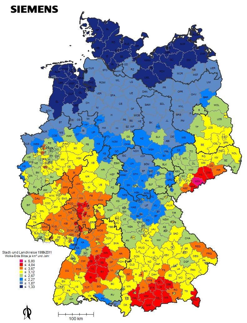 Verteilung der Blitze in Deutschland im Jahr 2012: Jedes Jahr veröffentlicht Siemens einen Blitzatlas, der die Verteilung der Blitze in Deutschland aufzeigt. Die meisten Blitze gab es 2013 im fränkischen Coburg. Die meisten Blitze gibt es im Alpenvorland, im Süden Thüringens und Sachsens und im Westen auf einer Linie vom Sauerland über die Mittelgebirge bis zum Bodensee.