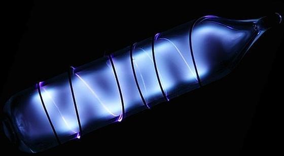 Xenon-Lampe: Das Edelgas ist bisher nur unter großem Aufwand zu gewinnen.
