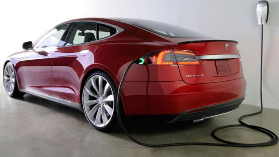 Das Elektroauto Tesla S: Die chinesischen Studenten haben Tesla bereits über die Sicherheitslücken informiert. Der Autobauer begrüßte die Initiative und will die Lücken schnellstmöglich schließen.