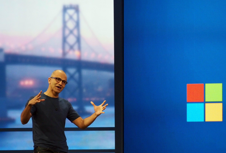 Microsoft-Chef Satya Nadella präsentierte im April auf der Entwicklerkonferenz Build in San Francisco seine Vision für die Zukunft des Softwarekonzernes vor. Diese sieht auch vor, dass 18.000 Arbeitsstellen abgebaut werden.
