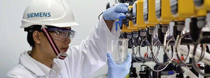 Auch Siemens setzt bei Entsalzungsanlagen auf Elektrochemie. Das Verfahren benötigt allerdings zwei Schritte, das der Aachener Forscher hingegen nur einen.