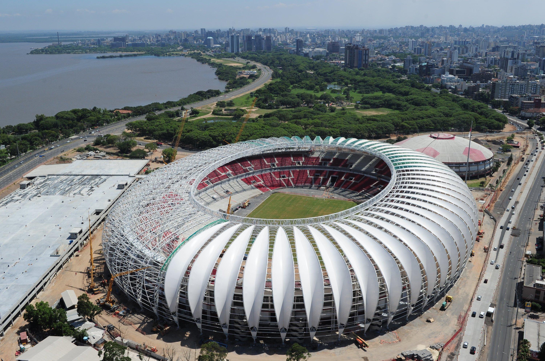 Das WM-Stadion in Porto Alegre hat über 58.000 Sitzplätze und wurde für die WM lediglich modernisiert. Es gehört dem VereinSport Club Internacional, der schon dreimal brasilianischer Meister war.