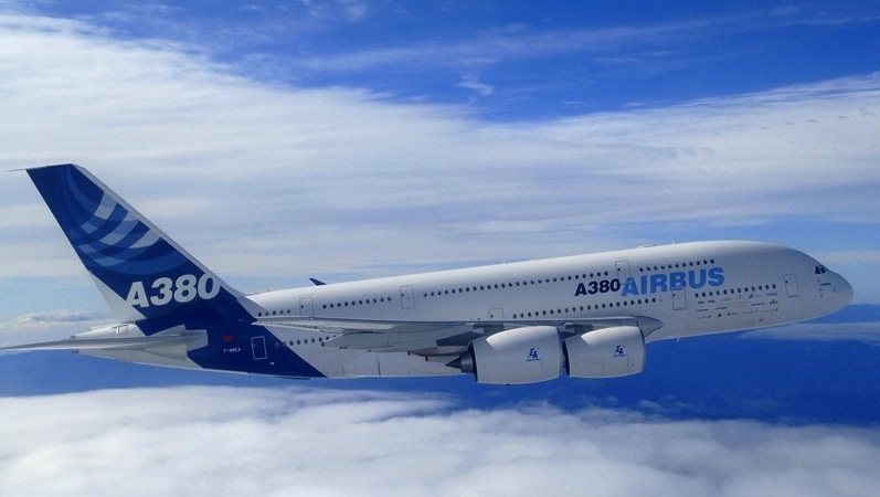 Der Superjumbo A380 von Airbus ist das größte zivile Verkehrsflugzeug der Welt. Es ist für bis zu 853 Passagiere zugelassen.