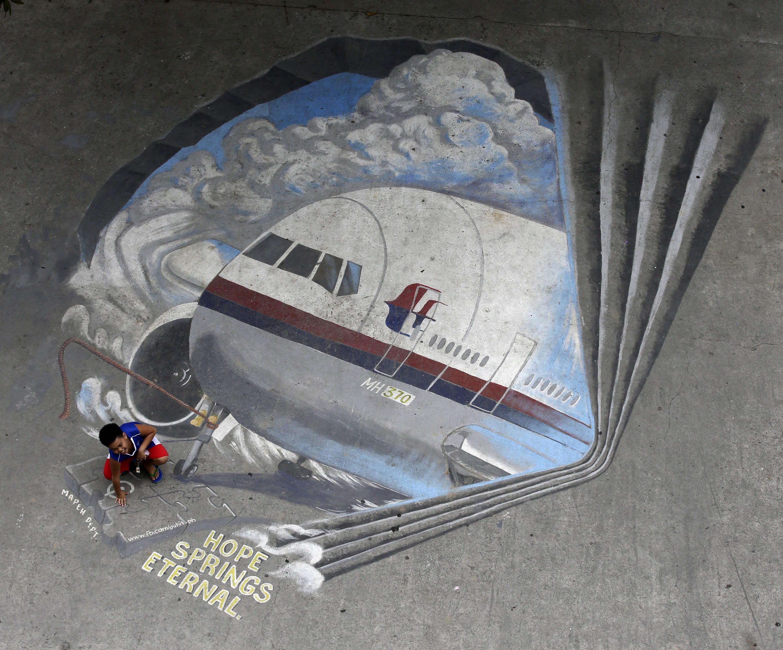 Die Hoffnung währt ewig: Das Bild eines Straßenkünstlers erinnert an den verschollenen Flug MH370.