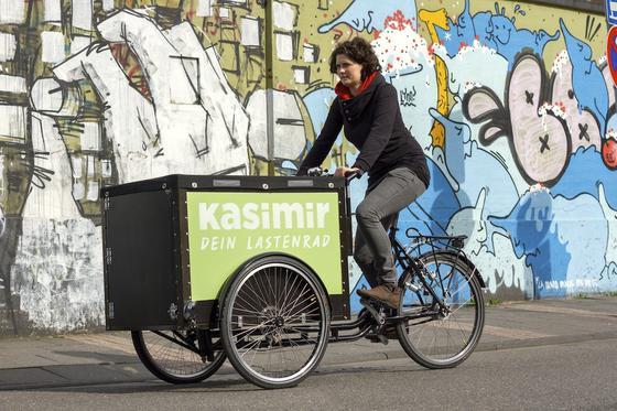 Die Kölner Idee, ein Lastenrad zum kostenlosen Ausleihen anzubieten, macht Schule. Ähnliche Projekte gibt es schon in München und Dortmund. Kurz vor der Einführung stehen Gratis-Lastenräden inHamburg, Hannover, Oldenburg, Regensburg, Erlangen und in Königsbrunn bei Augsburg.