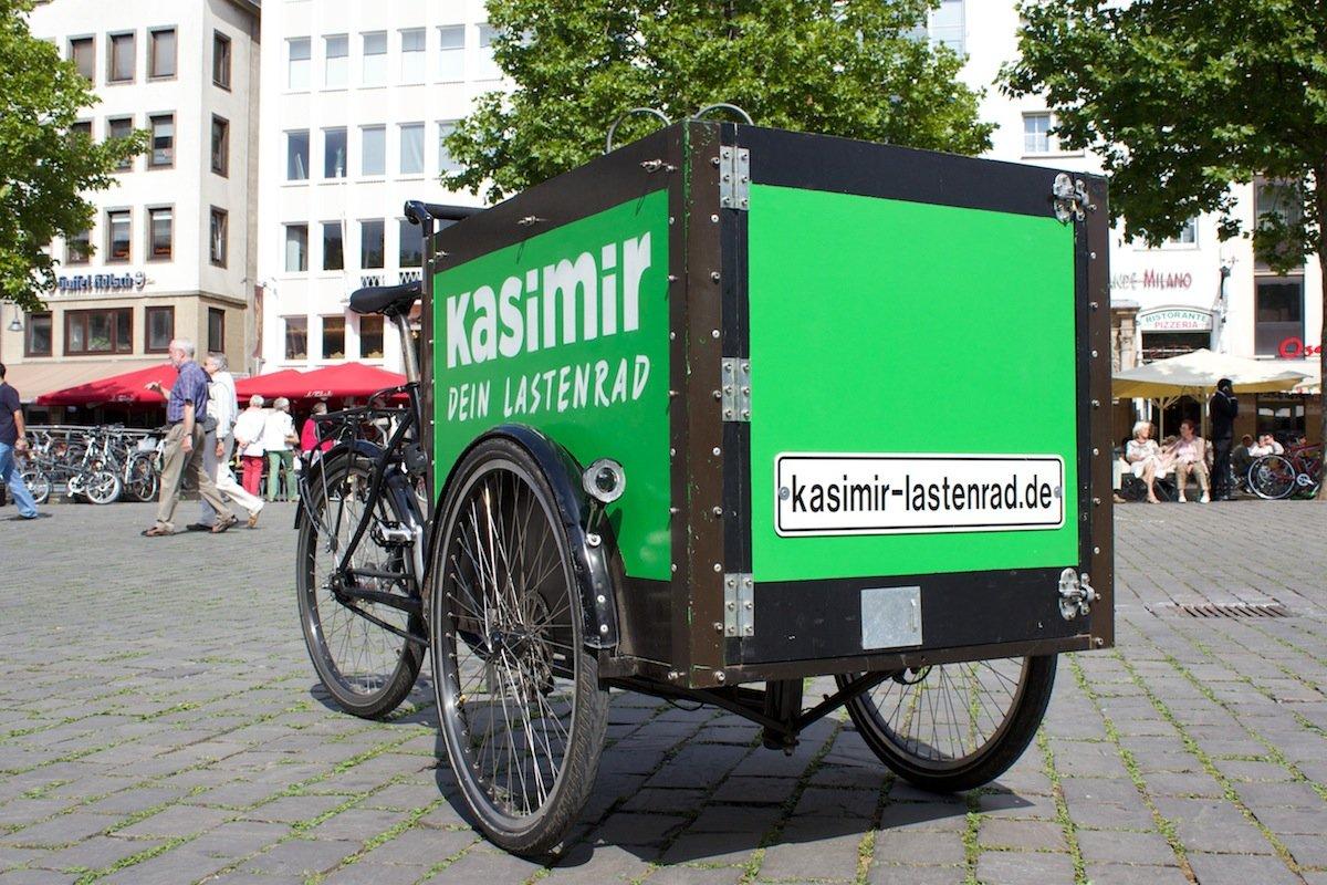 Auffallende Optik: Das Lastenrad Kasimir in Köln kann jeder kostenlos ausleihen. Die Buchung geht einfach im Internet.