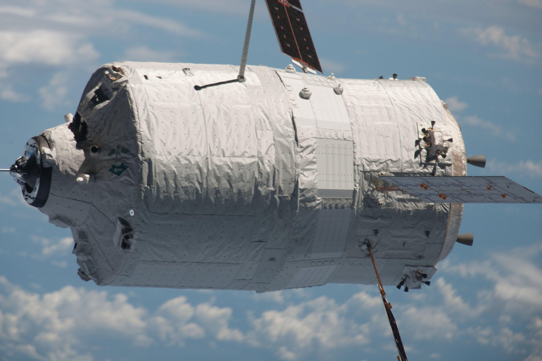 Im September 2012 dockte der ATV-Frachter Eldorado Amaldi erfolgreich an der ISS an. Die Bewohner haben ihn mit Müll beladen, mit dem er anschließend bei Wiedereintritt in die Erdatmosphäre verglüht ist.