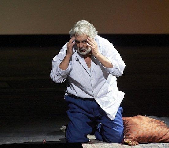Sorgen um allzu scharf gezeichnete Details seines Gesichtes macht sich Opernstar Placido Domingo, wenn