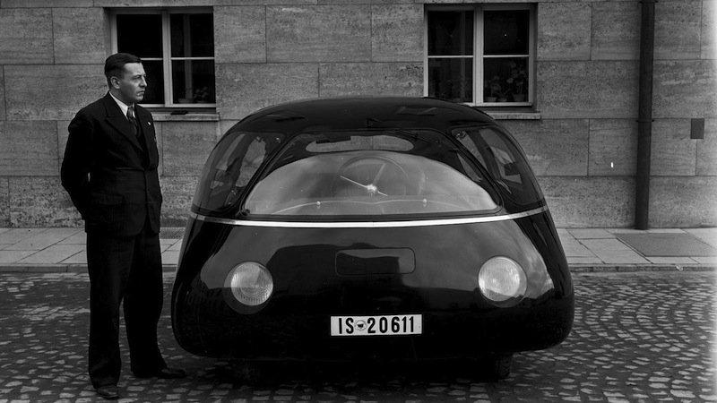 Der Schlörwagen im Jahr 1939: Der deutsche IngenieurKarl Schlör empfand die Form dem Querschnitt eines Flugzeugflügels nach.