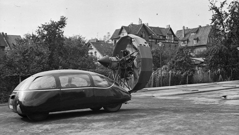 1942 testeten Ingenieure den Schlörwagen mit einem aufgebauten 130-PS-Propeller.