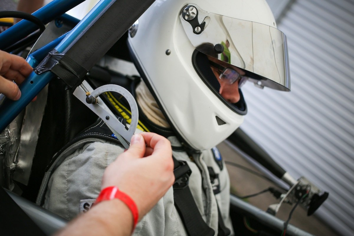 Technik in einem Rennauto der Formula Student Germany