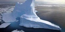 Riesige Eisberge frästen tiefe Spuren in den Meeresboden