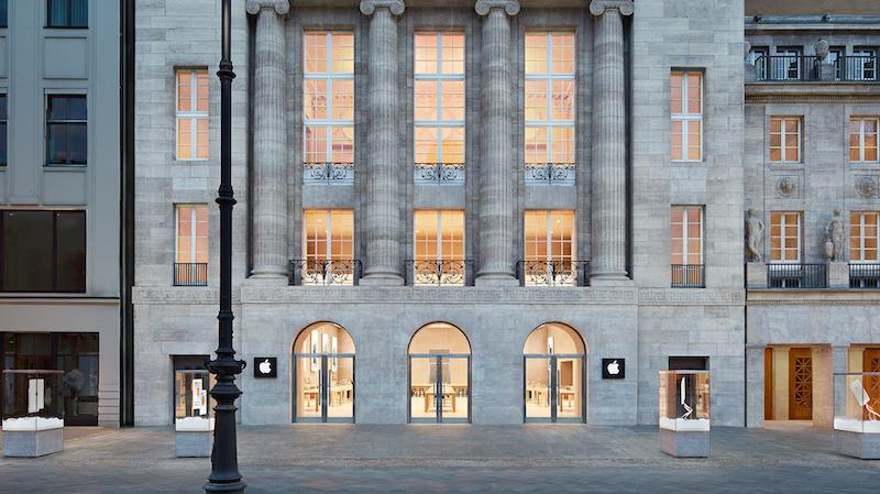 Apple Store in Berlin auf dem Kurfürstendamm: Wie für andere Apple Stores in aller Welt stammt auch hier das Glas von der bayerischen Seele-Gruppe, erklärt der Konzern auf seiner neuen Homepage.