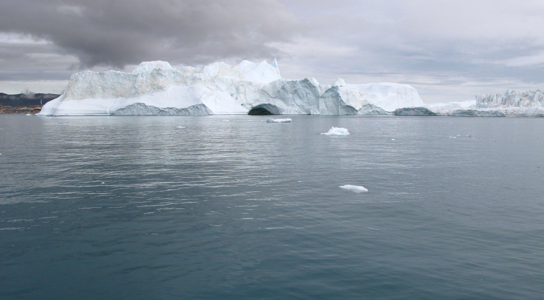 Das arktische Meereis ist im Sommer 2013 auf eine Fläche von rund 5,1 Millionen Quadratkilometer zurückgeschmolzen. Das ist aber eine deutlich größere Eisbedeckung als im September 2012, als mit 3,4 Millionen Quadratkilometern ein Rekordtief erreicht wurde.