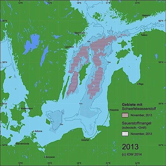 Die Situation in der zentralen Ostsee im Jahr 2013, vor dem Wassereinbruch: Die Gebiete mit hoher Konzentration an Schwefelwasserstoff sind deutlich größer.