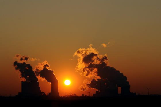 Japans will bis zum Jahr 2030 die ersten Kraftwerke mit Brennstoffzellen ausstatten.Sie gewinnen Reaktionsenergie, wenn sie Wasserstoff und Sauerstoff in Wasser umwandeln.