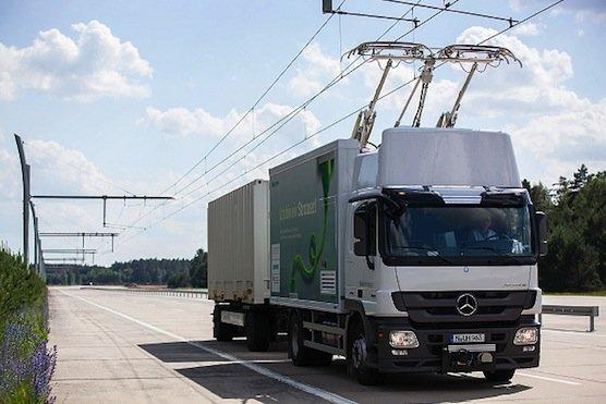 Die Oberleitungen für E-Lkws, die Siemens in Deutschland und den USA bereits testet, sollen bald auch auf schwedischen Strecken erprobt werden.