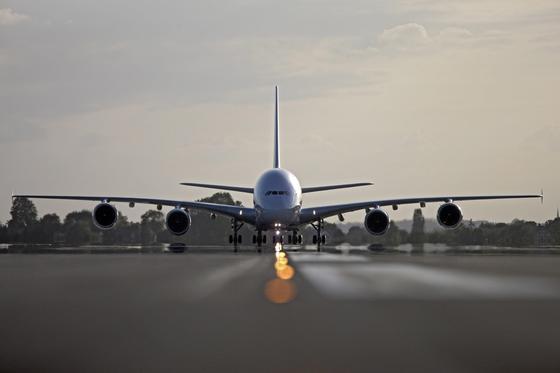 Im Großraumflugzeug A380 von Airbus sind 77 Tonnen Titan verbaut. Sollte Russland den Export des Metalls als Reaktion auf Sanktionen des Westens einstellen, werden Airbus und Boeing kaum eine vergleichbar große Quelle finden.