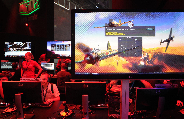 Am Stand von Wargaming.net sind Kriegsspiele angesagt: 100 Millionen Onlinespieler konnte der Hersteller mittlerweile für die Spiele World of Tanks und World of Warplanes begeistern.