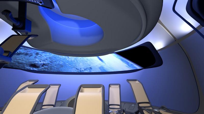 Lange, schmale Fenster bieten den Insassen der CTS-100 einen spektakulären Ausblick auf die Erde. Die Kapsel soll auch im zukünftigen Weltraumtourismus zum Einsatz kommen.