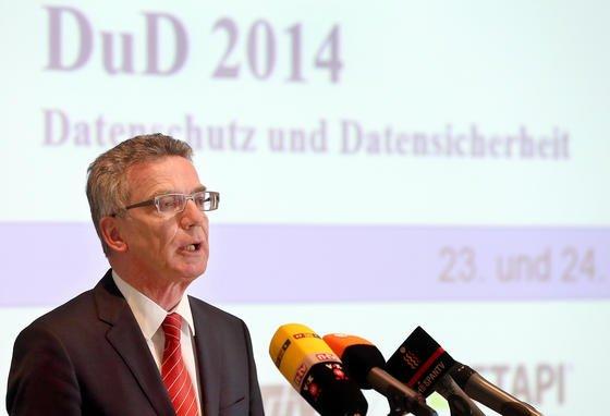 Budesinnenminister Thomas de Maizière will per Gesetz erreichen, dass die digitalen Infrastrukturen Deutschlands die sichersten der Welt werden.