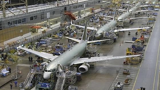 Produktion des Boeing 737: Der Flugzeugbauer bietet Fluggesellschaften mittlerweile einen Preisnachlass von bis zu 59 Prozent für den Mittelstrecken-Jet. 46 Prozent gibt es für das Großraumflugzeug Dreamliner.