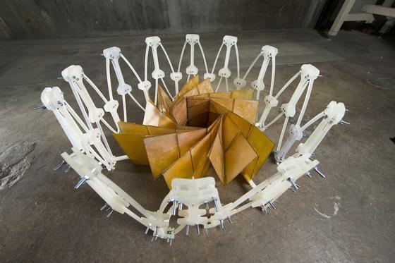 Verschiedene Origami-Techniken sind in dem bei der NASA entwickelten Solarpanel kombiniert.
