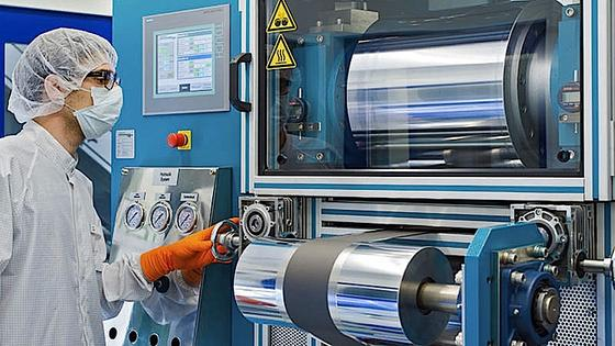 Auch an der TUM forschen Wissenschaftler an der Produktion von Lithium-Ionen-Zellen. Zwar gingen in Europa die Patentanmeldungen in den letzten Jahren um 260 Prozent in die Höhe, allerdings von einem niedrigen Ausgangsniveau.