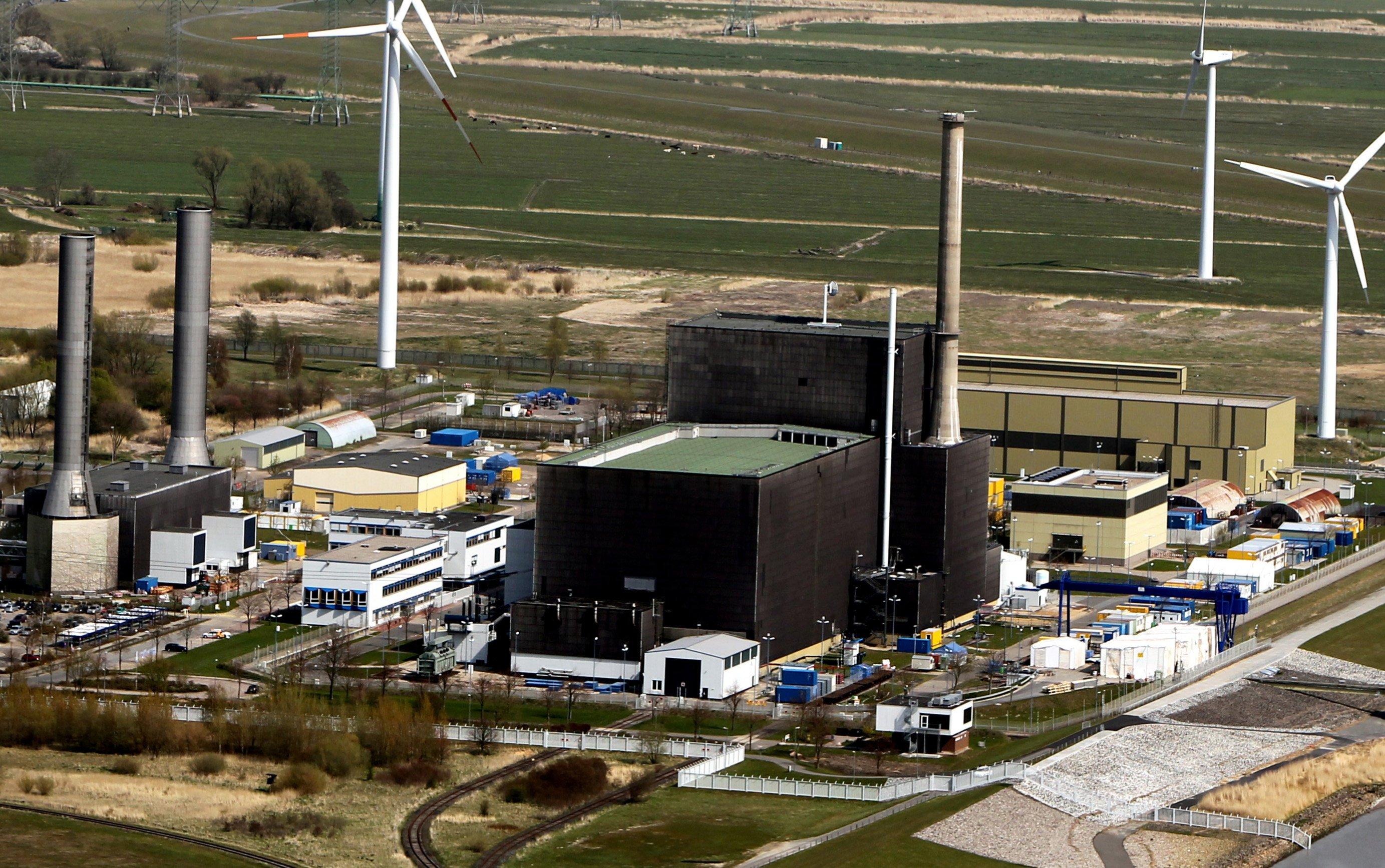Das Atomkraftwerk in Brunsbüttel (Schleswig-Holstein) ging am 9. Februar 1977 ans Netz, im Juli 2007 hat es Betreiber Vattenfall heruntergefahren. In den Kavernen lagern 631 Fässer mit Atommüll.
