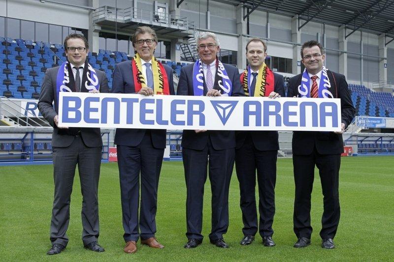 Der Automobilzulieferer Benteler ist seit der Saison 2012/2013 Namensgeber für das Stadion des SC Paderborn. Hier war auch der Ingenieur Roger Schmidt zuletzt Trainer, bevor er nach Red Bull Salzburg ging.