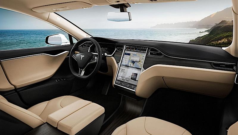 Ungefährlich ist die Digitalisierung der Autos nicht: Erst vor kurzem hatten chinesische Studenten den Bordcomputer des Tesla S gehackt.
