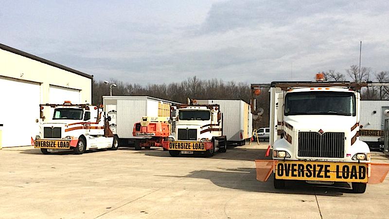 Die Container bestehen zum Großteil ausHolz, Spanplatten und Korkelementen. Sie sind dadurch leicht genug für den Transport mit Lkws.