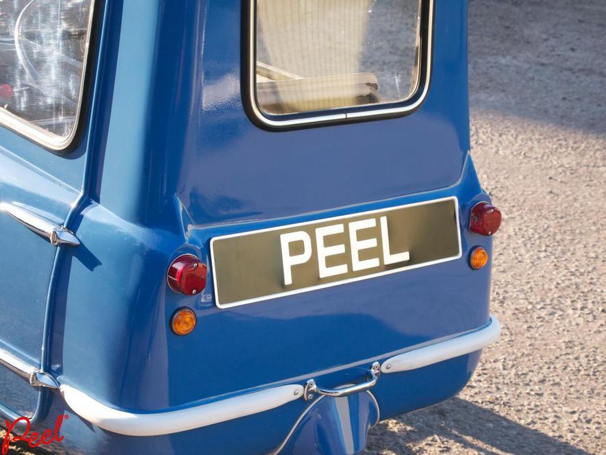 Das kleinste Auto der Welt aus den 60ern haben zwei Engländer wieder aufgelegt