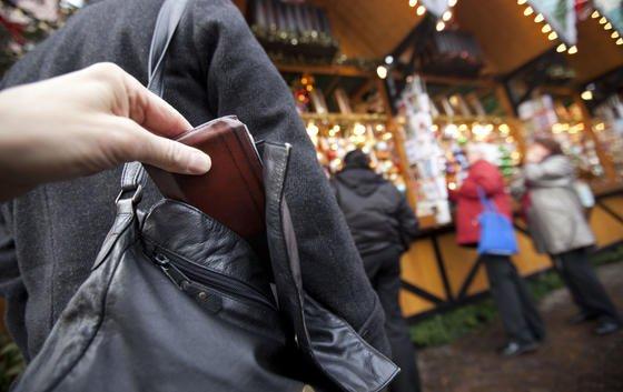 Smartphones stehen auf der Wunschliste der Diebe in Kalifornien ganz oben. Gouverneur Jerry Brown macht deswegen den Kill Switch zur Pflicht.