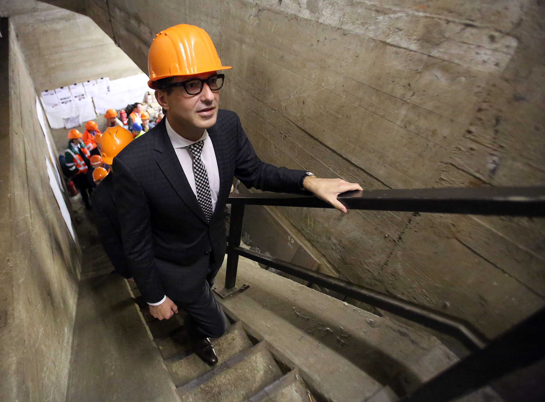 Beim Bau der neuen Brücke soll es keine Verzögerungen geben. Deswegen bringt Verkehrsminister Dobrindt ein Gesetz auf den Weg, das Bürgern den Widerstand gegen den Neubau erschwert.