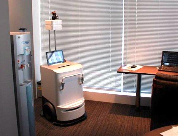 Wird der Robot Printer nicht gebraucht, wartet er in einer Ecke auf seinen nächsten Einsatz.
