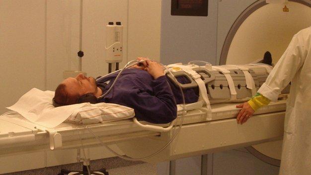 Unmittelbar vor und nach dem Flug zur ISS sowie noch einmal vier bis sechs Wochen nach dem Flug wird der Gelenkknorpel der Astronauten mittels Kernspintomographie (Magnet-Resonanz-Tomographie, MRT) des Knies abgebildet und die Morphologie (Volumen und Dicke) erfasst.