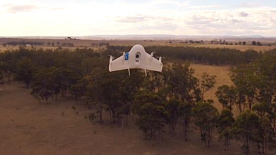Google ließ die Drohnen zunächst in einer menschenleeren Region Australiens fliegen. In zwei Jahren sollen Tests in einer Kleinstadt folgen.