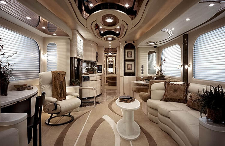 Luxus wohnmobile innenausstattung  Luxus-Wohnmobile mit Sauna und eingebauter Garage - ingenieur.de